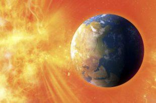 تضرب الأرض عاصفة شمسية